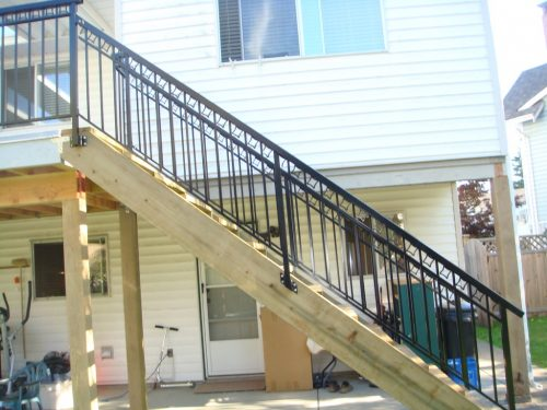 Side View ~ New Stairs & Railing