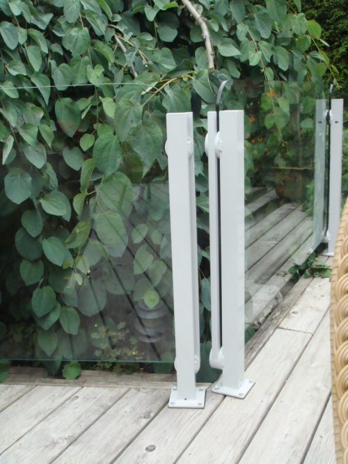Topless Glass Corner Posts