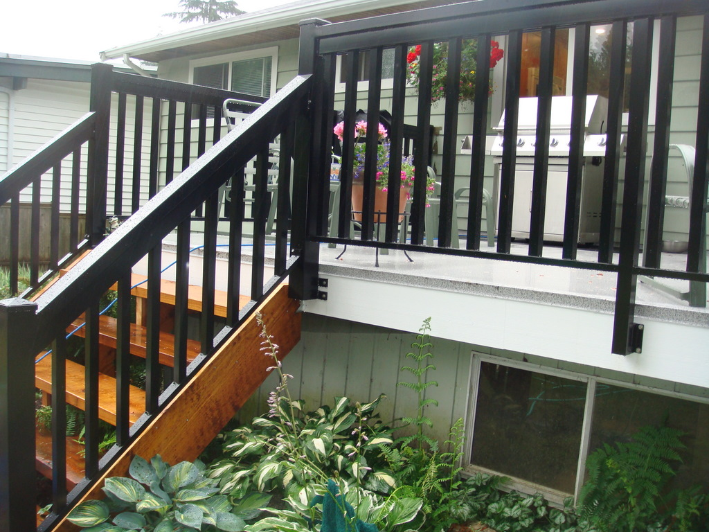 North vancouver new deck stairs railings deckpros for Porch balcony designs