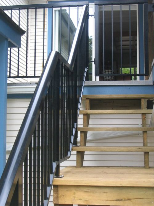 New Stairs & Aluminum Railing