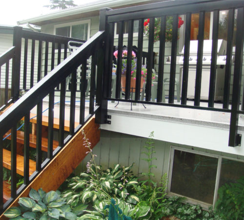 Railing-Style-#5---Large-T-Top-+-Large-Pickets
