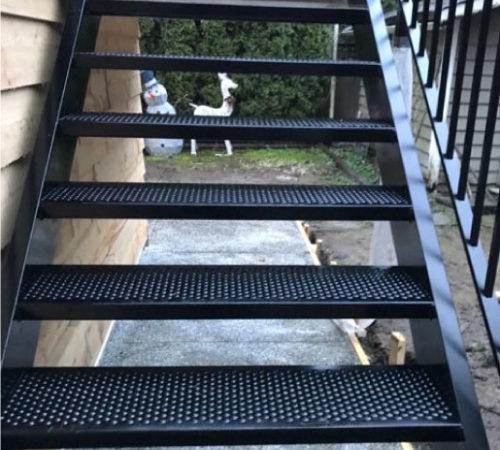 Stair-Style-#2---Full-Aluminum-Black